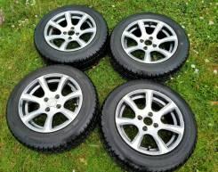 Продам комплект литых колес с резиной