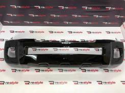 Бампер передний Toyota Land Cruiser (J200) 2012-2015 год черный.