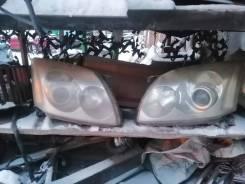 Комплект фар Toyota Avensis