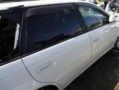 Дверь задняя правая Toyota Caldina ST215 3S-GTE 2000 белый перламутр