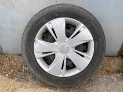 Комплект колес Nissan March на дисках с колпаками