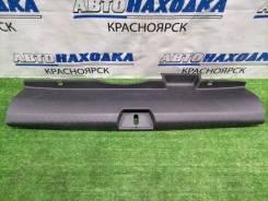 Накладка багажника Honda Civic 2005-2008 [84640SNAA0] FD1 R18A, задняя 84640SNAA0