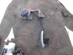 Педаль подачи топлива Infiniti FX45
