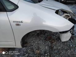 Крыло правое переднее цвет 070 Toyota Prius NHW20.