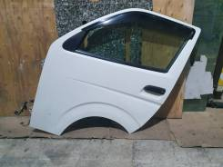 Дверь передняя левая Toyota Hiace KDH206