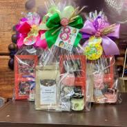 Подарки на 8 марта чай шоколад мёд маме коллеге