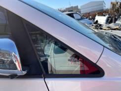 Стекло собачника переднее правое Toyota Voxy AZR65 124000km
