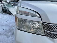 Фара правая Toyota Voxy AZR65 124000km