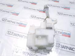 Бачок омывателя Toyota Kluger MCU25W 2004 г