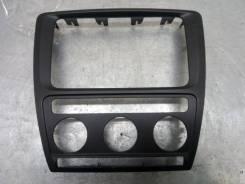 Накладка (кузов внутри) Skoda Octavia 2007 [1Z0858069] А5 2.0 TDI BMM 170 Л. С 2000CC / 170HP