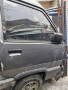 Продам правую переднюю дверь на Toyota Town Ace CR30