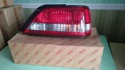Фонарь правый Toyota Cresta 96-98г 81551-22840 новый оригинальный