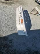 Продам передний бампер на Toyota Corolla CE80