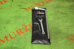 Набор инструментов Mercedes V-Class 2000 [A6385800403] W638 104.900 2.8L