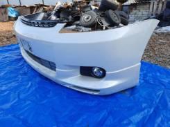 Бампер передний Toyota Wish цвет 070