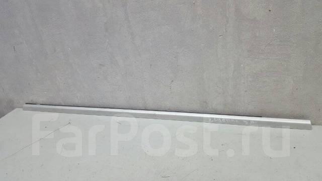 Бархотка молдинг наружний Porshe Cayenne, левая задняя