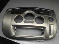 Лицевая панель центральной консоли Renault Scenic 2 2007 [8200554464, K4M813] 8200554464