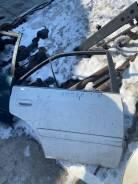 Дверь правая задняя Toyota Carina ST215