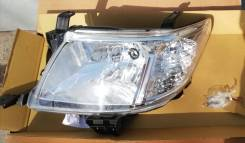 Фара Toyota Hilux Pick Up 2011-2014