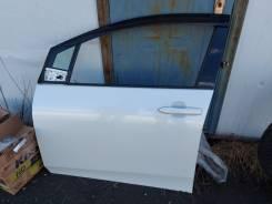 Дверь левая передняя Toyota Prius ZVW51