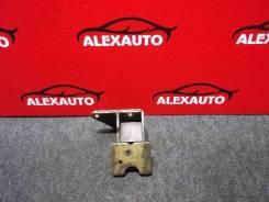 Кронштейн опоры двигателя Mitsubishi Pajero Junior, левый