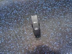 Кнопка центрального замка Volkswagen Touareg (Фольксваген Туарег) 7LA, правая передняя