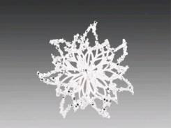 Пуансеттия белая с серебряными пайетками, лепестки - ювелирное плетение, на прищепке d 13см FLC17117