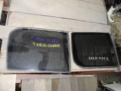 Стекло собачника Toyota VOXY 2007, левое
