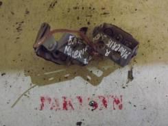 Петля крышки багажника Ford Maverick 2001-2006