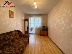 3-комнатная, улица Ладыгина 11. 64, 71 микрорайоны, проверенное агентство, 67,4кв.м.