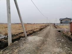 10 сот., собст-ть, новая дорога, свет в с. Тополево. 1 000кв.м., собственность, электричество