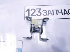 Петля двери багажника Suzuki Escudo TDA4W