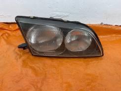 Фара правая Toyota Ipsum SMX10 SMX15 44-11
