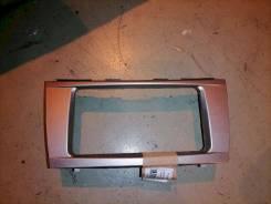 Рамка магнитолы Toyota Camry