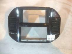 Рамка монитора Mitsubishi Pajero