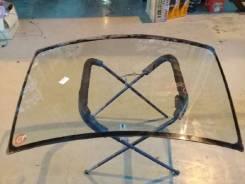 Стекло лобовое Nissan Serena, переднее