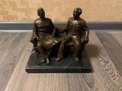 Бронза на камне Сталин и Мао