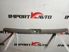 Накладка петли багажника Toyota VOXY