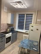 4-комнатная, улица Приморская 1. Чуркин, частное лицо, 61,6кв.м. Кухня