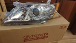 Фара оригинал Toyota Camry 40