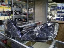 Фара Toyota Ipsum 2001-04