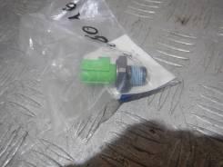 Датчик давления масла Mazda 6 LF0118501