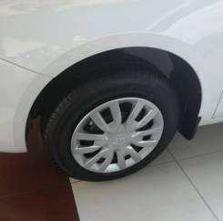 Новые оригинальные колеса с колпаками на Ладу Весту