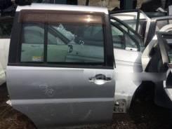 Дверь задняя правая Nissan Liberty PM12, PNM12