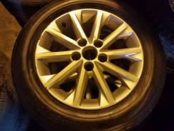 Комплект колес на Toyota Camry 215/60R16