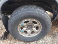 Продам шины на дисках 265/70 R15