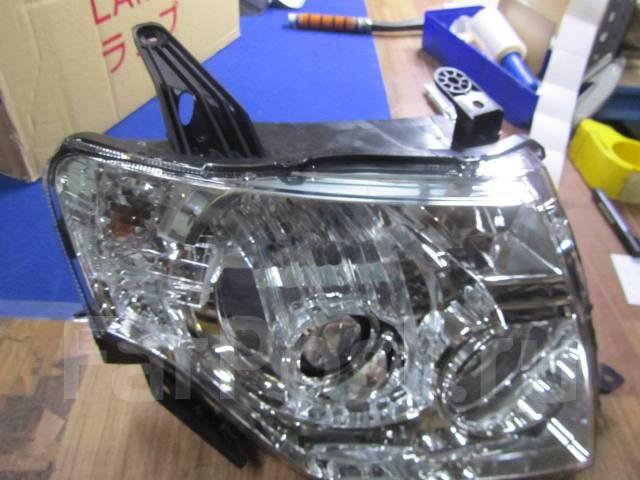 Фара Mitsubishi Pajero
