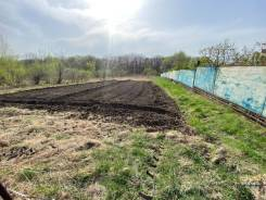 Продам земельный участок под строительство жилого дома. 1 100кв.м., собственность