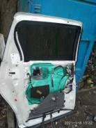 Дверь боковая задняя левая на Тойоту Эстима ACR50.
