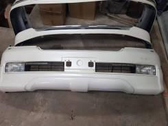 """Оригинальный бампер с """"губой"""" Toyota Land Cruiser 200"""